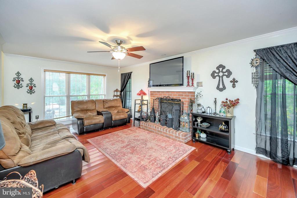 Living Room - 10700 MELANIE LN, FREDERICKSBURG