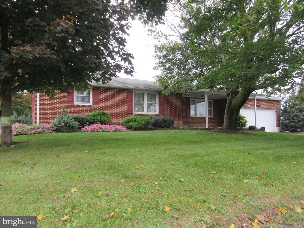 525 W WASHINGTON AVE, Myerstown PA 17067
