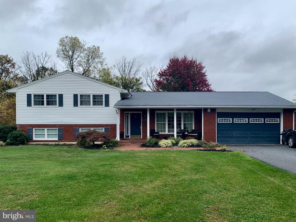 250 CROOKED LN, Lebanon PA 17042
