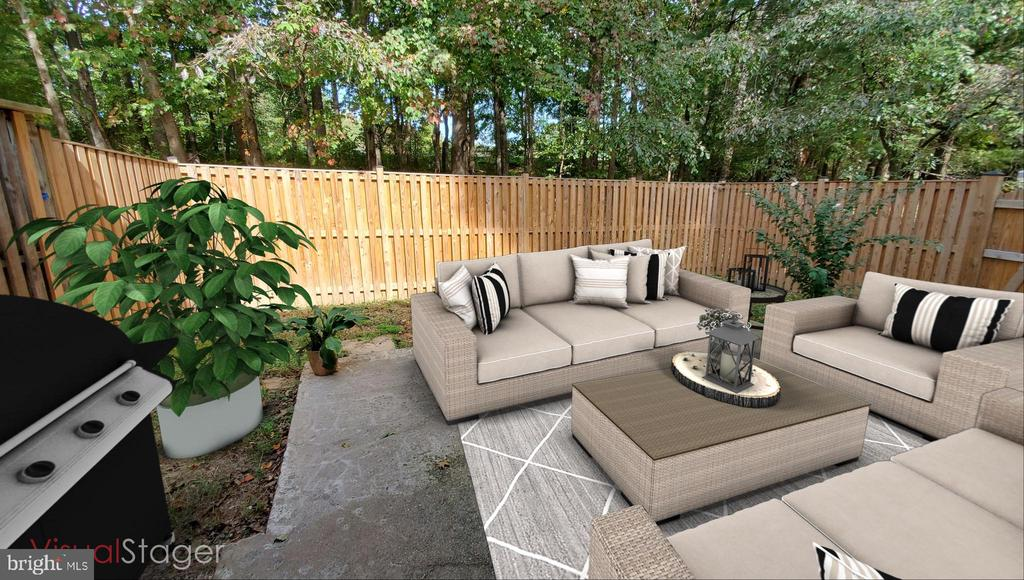 BEAUTIFUL BACK YARD WITH PATIO AREA. - 1548 BENNINGTON WOODS CT, RESTON