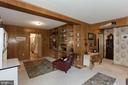 Built ins family room, hardwoods under carpet - 821 W MAIN ST, PURCELLVILLE