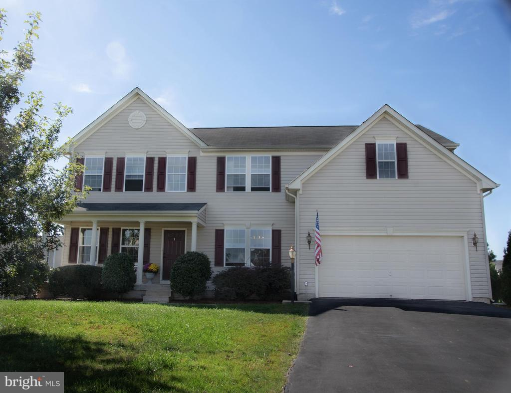 Large 4/5 bedroom, 2.5 bath home, on cul-de-sac - 3 BRACEY MILL CT, FREDERICKSBURG
