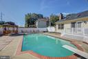 Dive In To Your New Pool Anytime - 8 LITTLE ROCKY RUN LN, STAFFORD