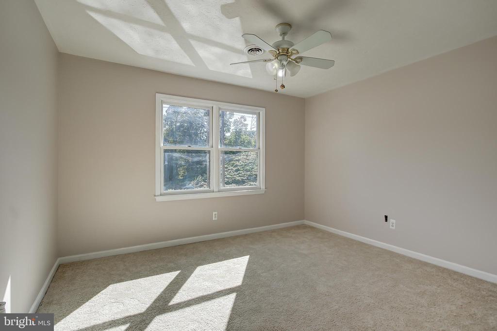 Good Sized 3rd Bedroom - 8 LITTLE ROCKY RUN LN, STAFFORD