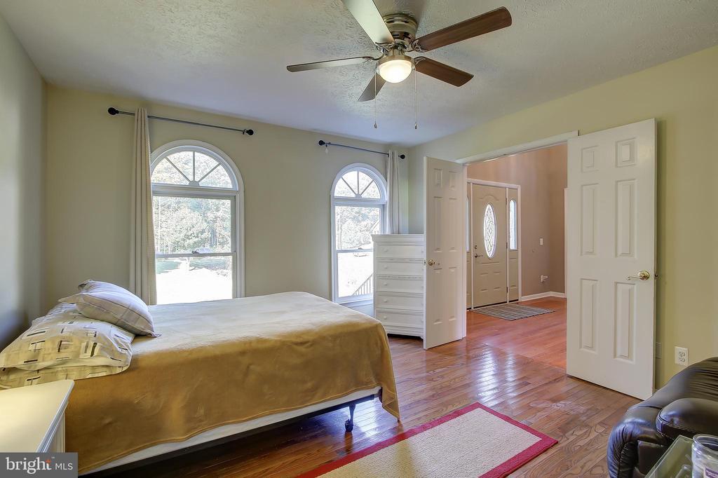 Entry Level 4th Bedroom - 8 LITTLE ROCKY RUN LN, STAFFORD