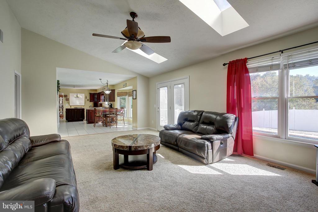 Drenched w/Natural Light & Just Off Of The Kitchen - 8 LITTLE ROCKY RUN LN, STAFFORD
