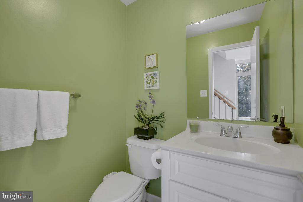 Powder Room Main Level - 1609 S HAYES ST #2, ARLINGTON