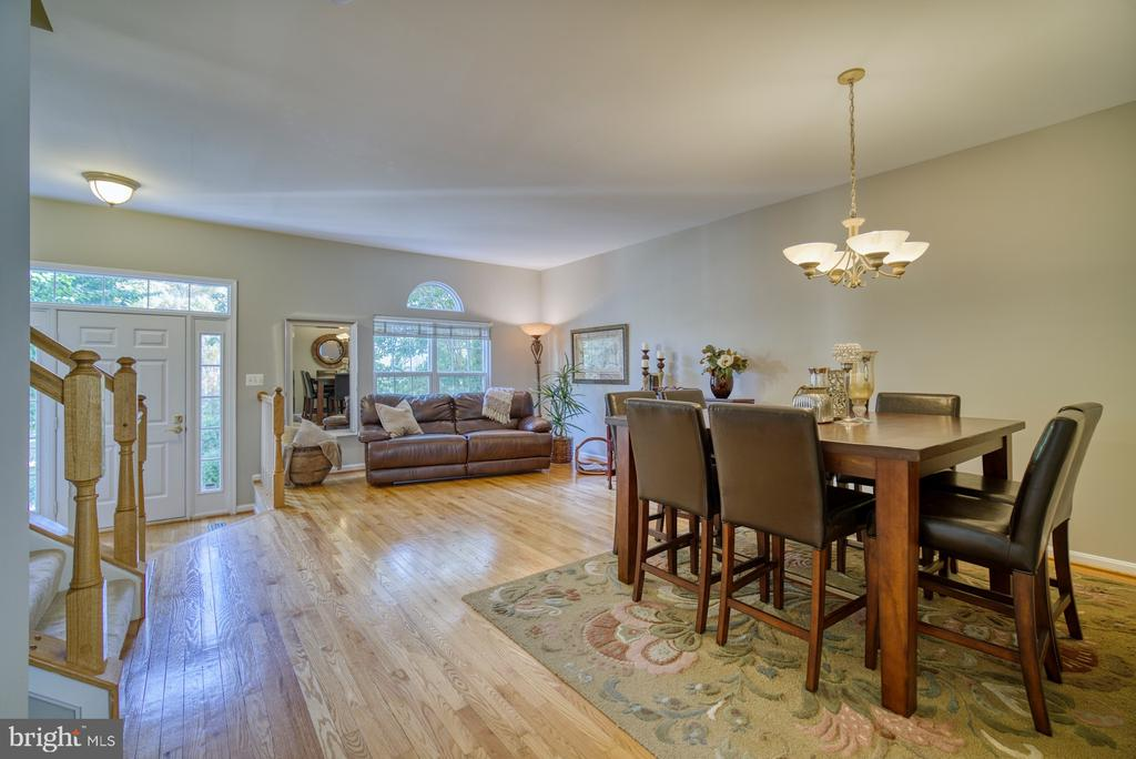 Hardwood Floors on Main Level - 14794 TRUITT FARM DR, CENTREVILLE
