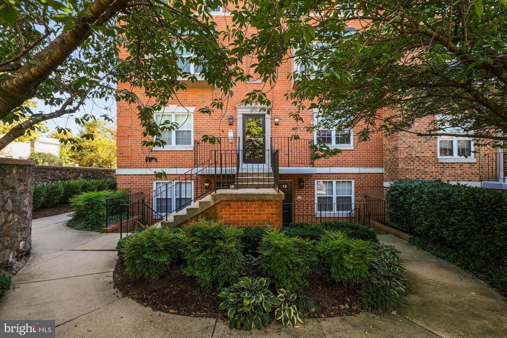 Building Entrance - 3800 PORTER ST NW #302, WASHINGTON