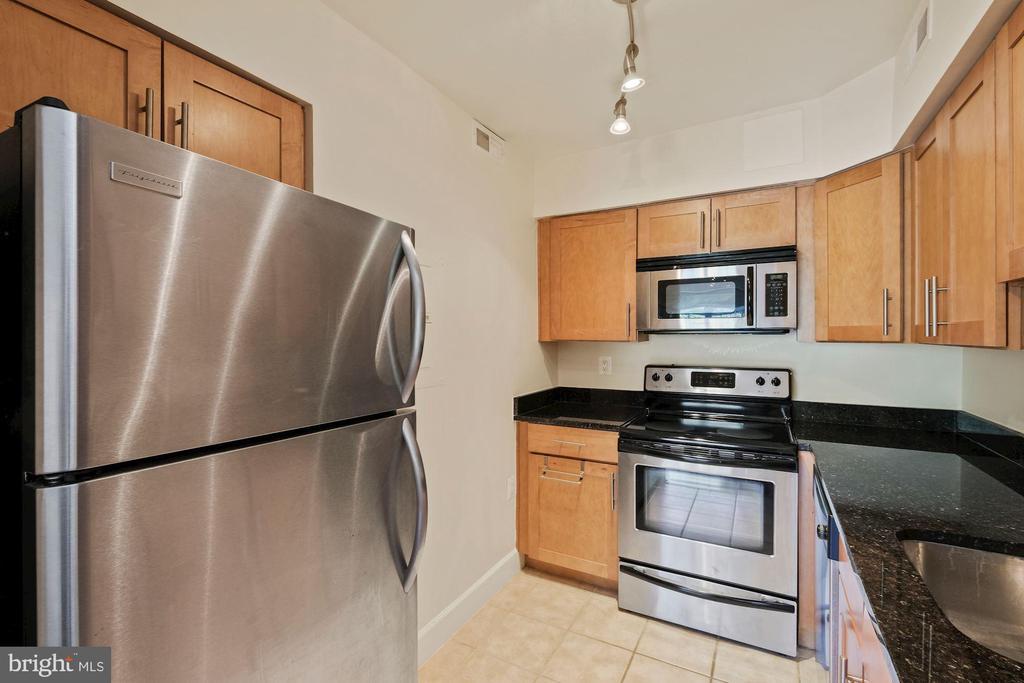 Stainless Steel Appliances - 3800 PORTER ST NW #302, WASHINGTON