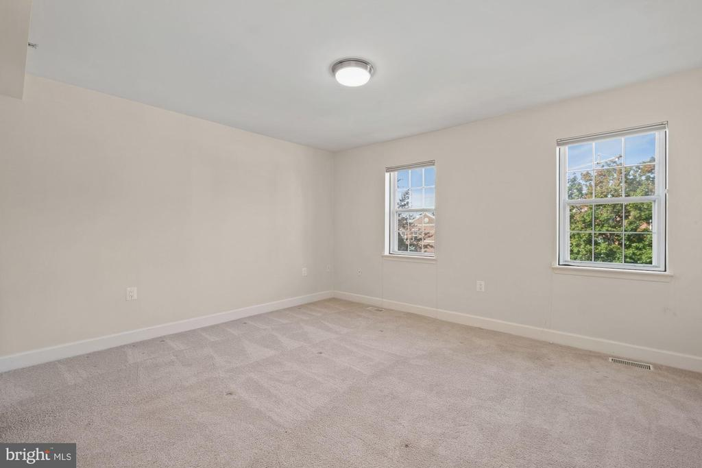 Lovely Windows with Green Views - 3800 PORTER ST NW #302, WASHINGTON