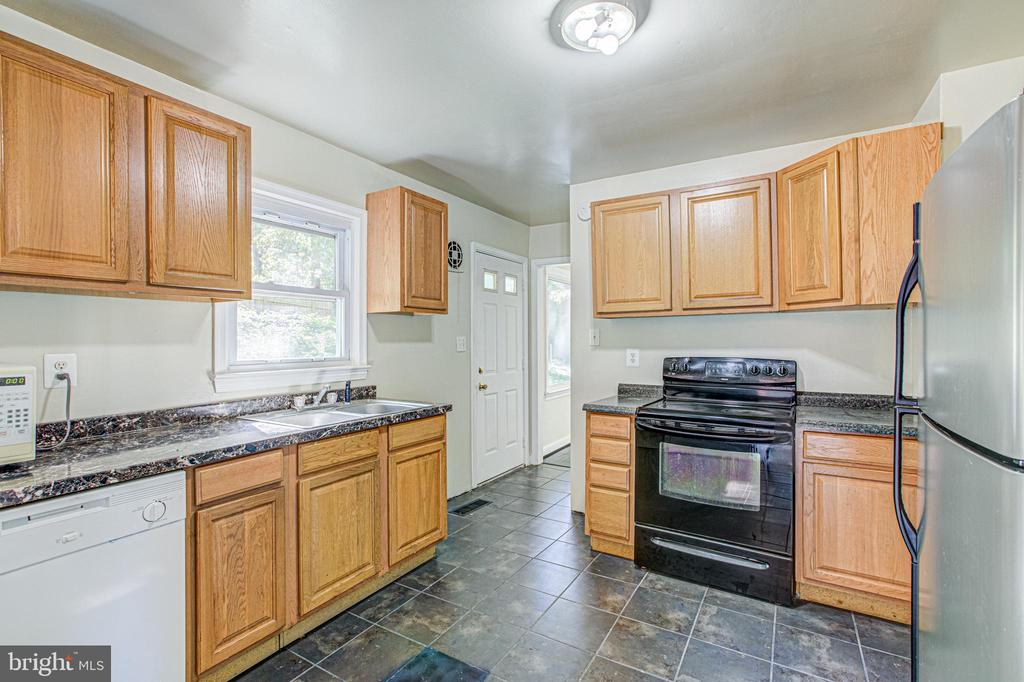 Kitchen - 19125 WINDSOR RD, TRIANGLE