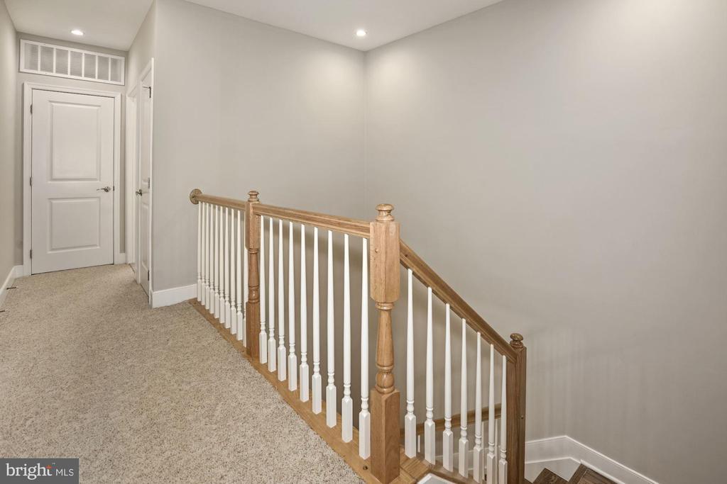 Second level hall - 1418 N RHODES ST #B113, ARLINGTON