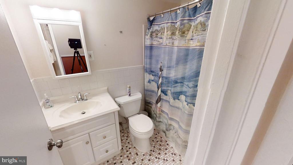 Bathroom - 161 N EMORY DR #8, STERLING