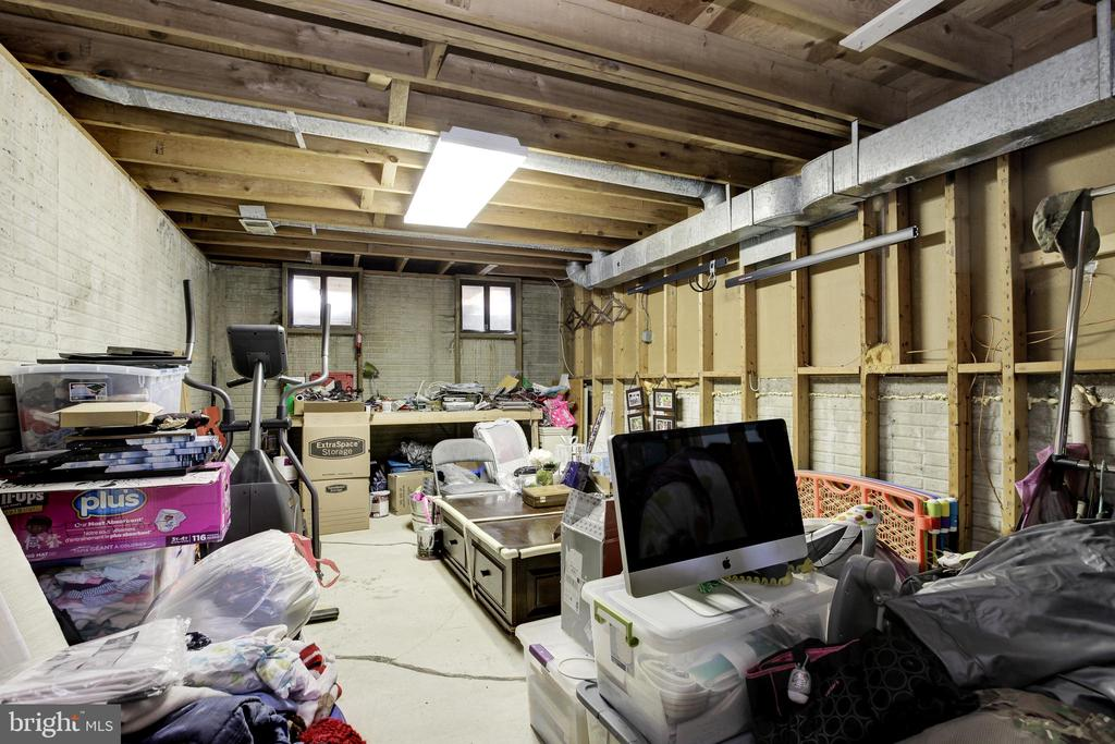 Plenty of storage space in basement - 6291 CENTRE STONE RING, COLUMBIA