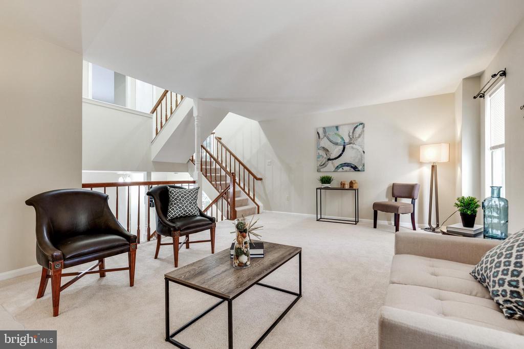 Light-filled, massive living room - 9698 POINDEXTER CT, BURKE