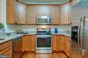 Lots of cabinet & counter space - 9202 CHARLESTON DR #301, MANASSAS