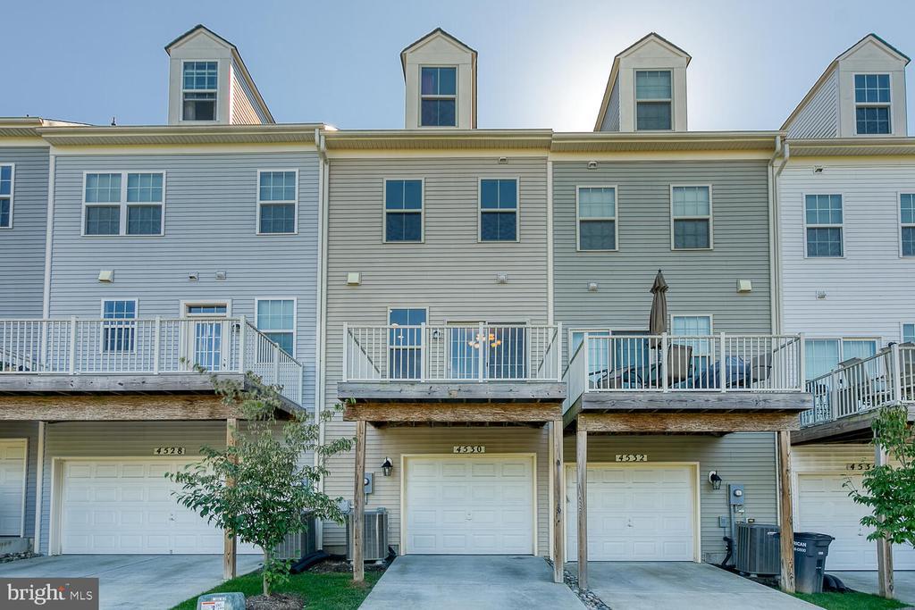 1 car garage + driveway space to park - 4530 POTOMAC HIGHLANDS CIR, TRIANGLE