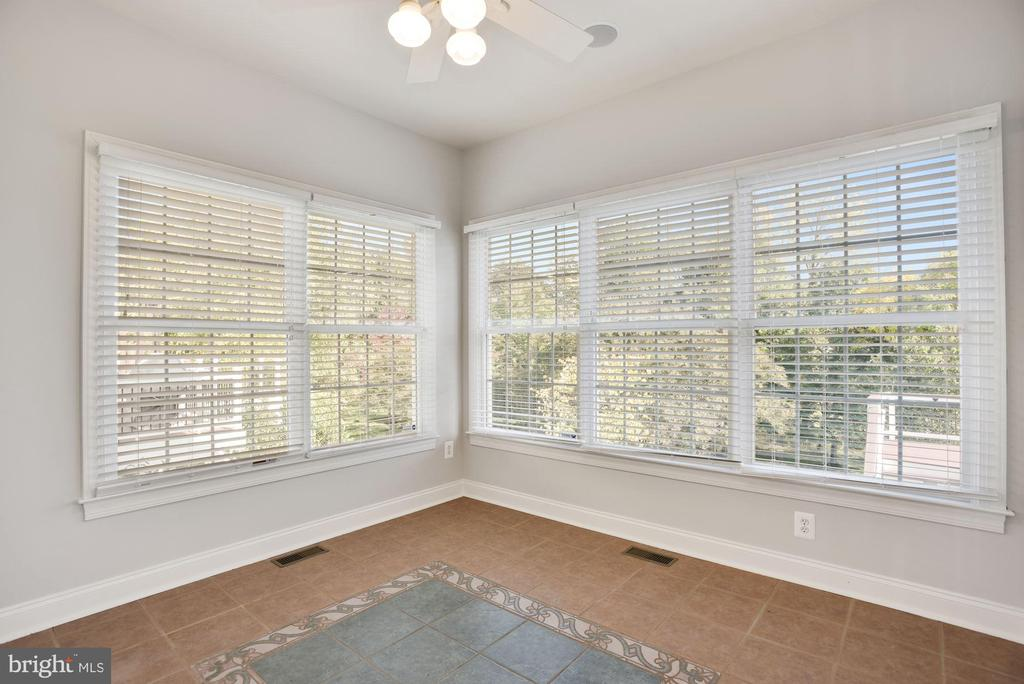 Sunroom, Second Office? - 19998 PALMER CLASSIC PKWY, ASHBURN