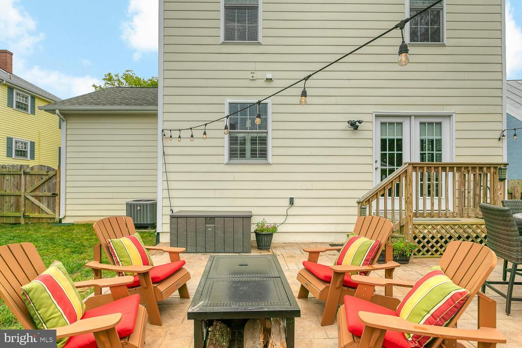 Additional Outdoor Seating for Entertaining - 1419 HANOVER ST, FREDERICKSBURG