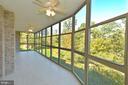 Sprawling enclosed porch - 19350 MAGNOLIA GROVE SQ #211, LEESBURG