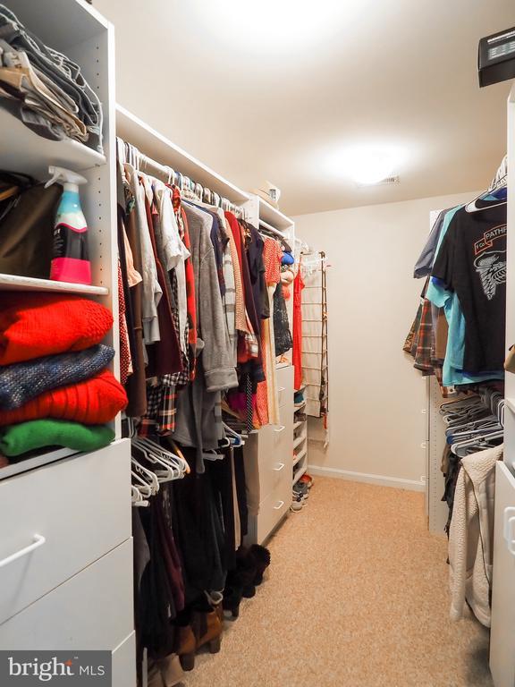 Large, organized closet - 7755 WALLER DR, MANASSAS