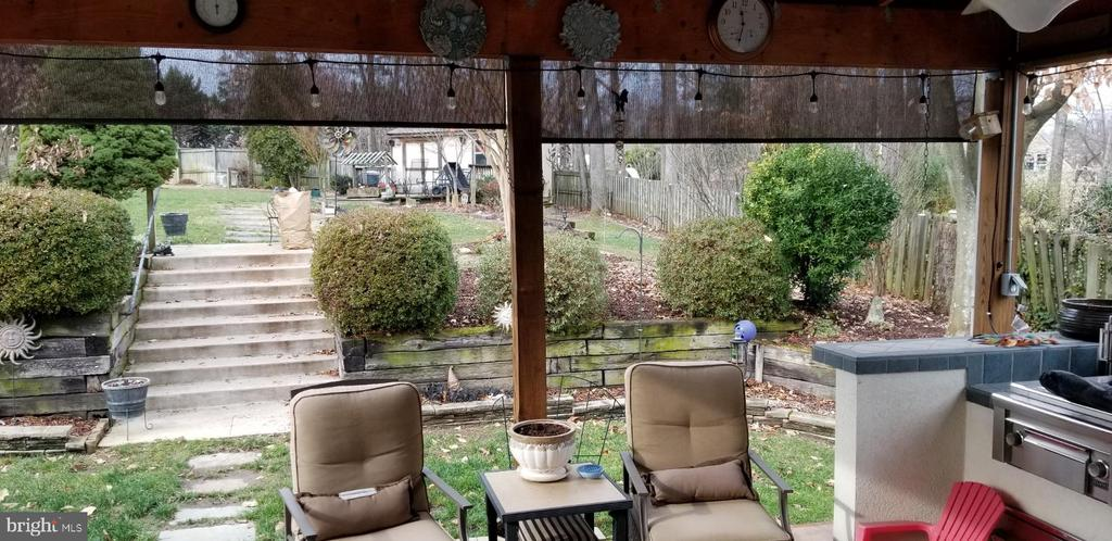 Covered Patio - 9115 FISHERMANS LN, SPRINGFIELD