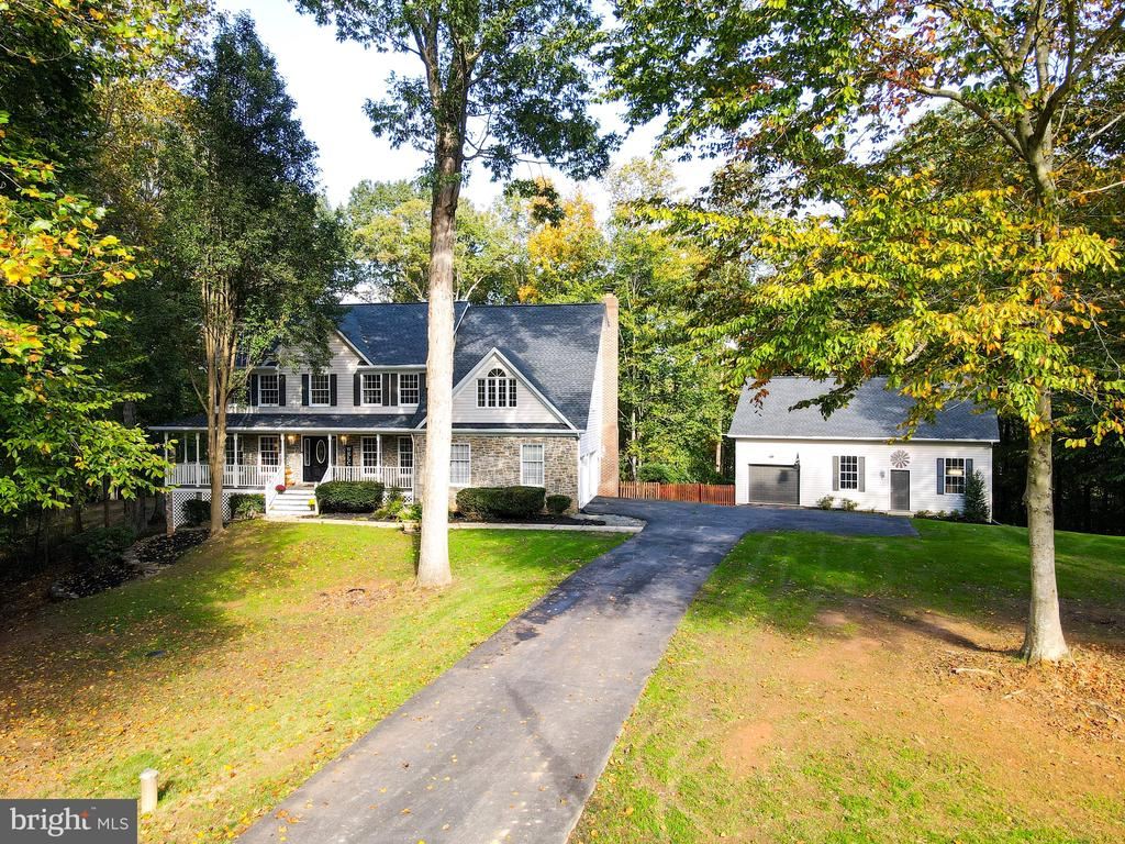 Stunning private home on 3.4 acres - 7755 WALLER DR, MANASSAS