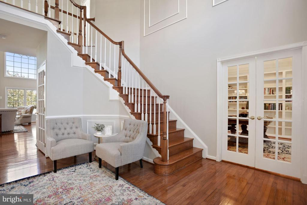 Two Story Foyer With Private Office - 19658 OLYMPIC CLUB CT, ASHBURN