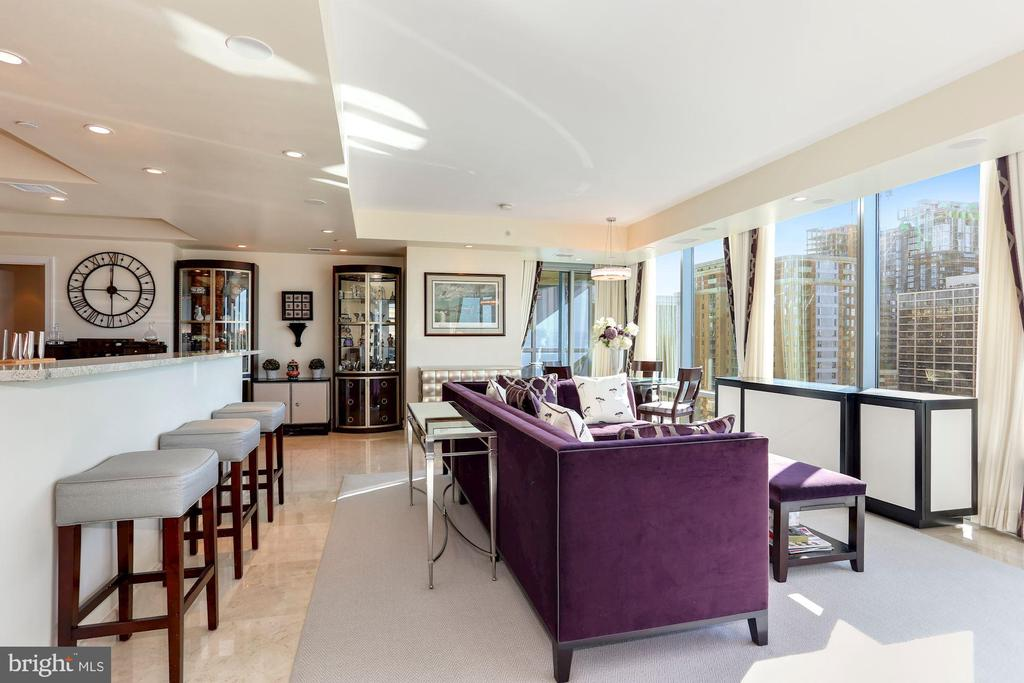 Sunlit Open Floor Plan - 1881 N NASH ST #1410, ARLINGTON