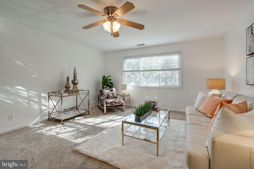 Living Room - 1401 N VAN DORN ST #C, ALEXANDRIA