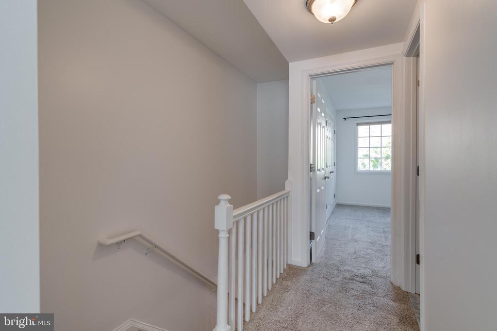 Upstairs Hall - 1401 N VAN DORN ST #C, ALEXANDRIA