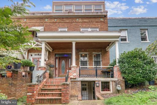 1004 IRVING ST NW