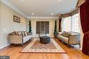 ML - Living Room - 42917 VIA VENETO WAY, ASHBURN