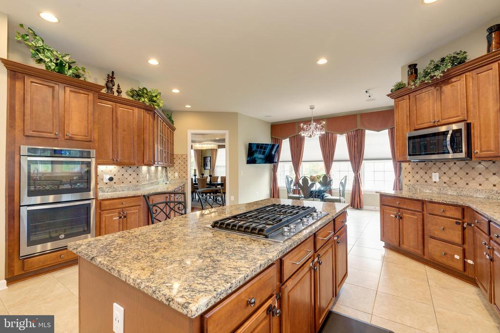 ML - Kitchen - 42917 VIA VENETO WAY, ASHBURN