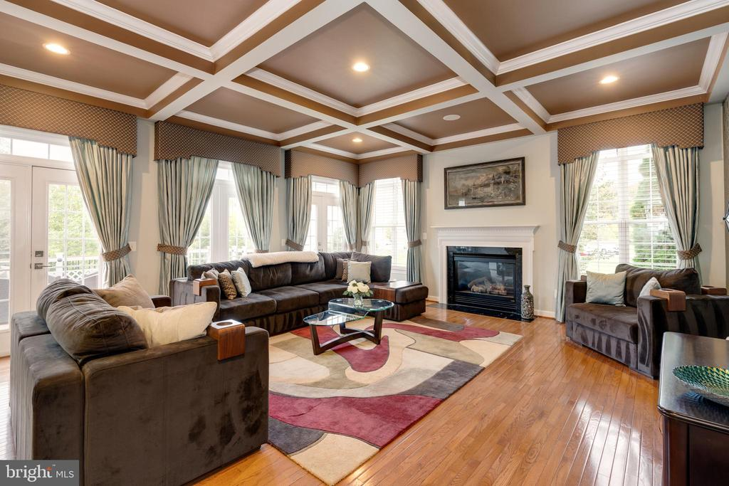 ML - Family Room - 42917 VIA VENETO WAY, ASHBURN