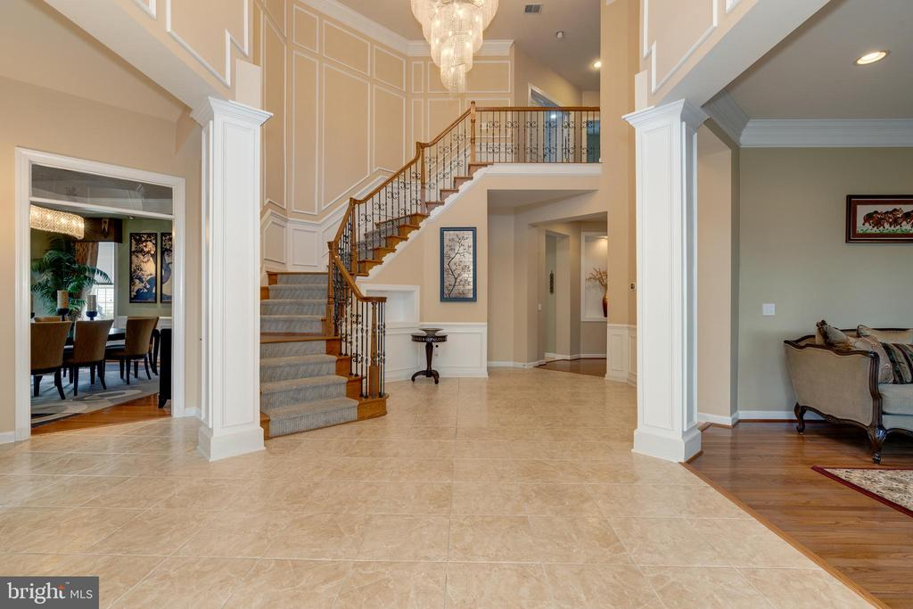 ML - Foyer - 42917 VIA VENETO WAY, ASHBURN
