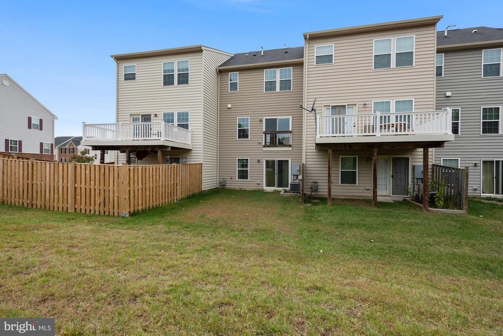 - 22874 CHESTNUT OAK TER, STERLING