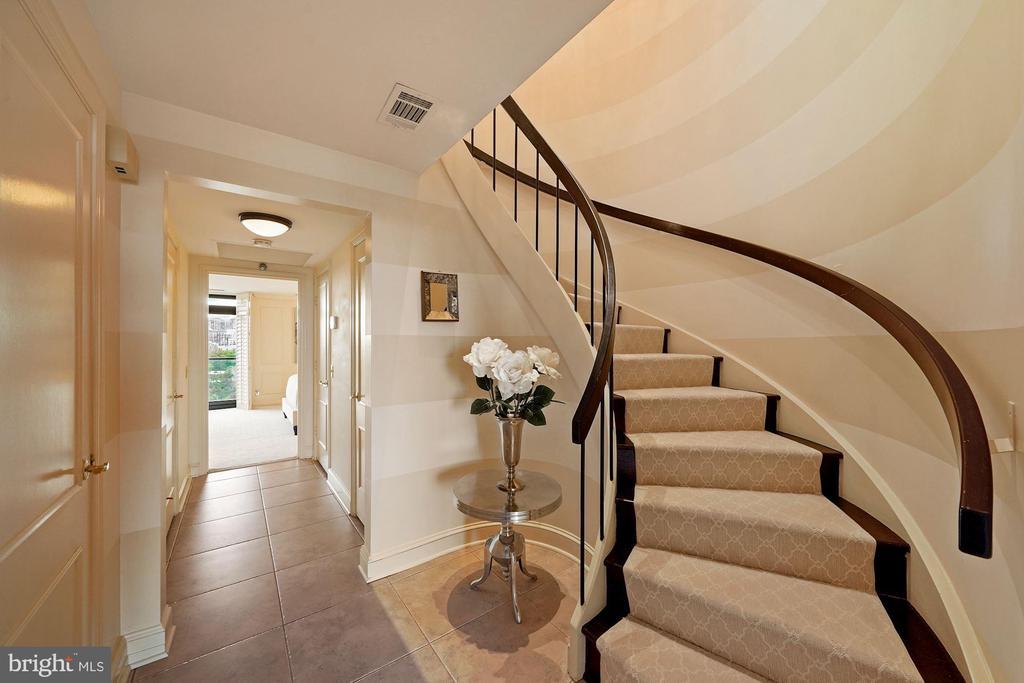 Foyer - 1401 N OAK ST #608, ARLINGTON