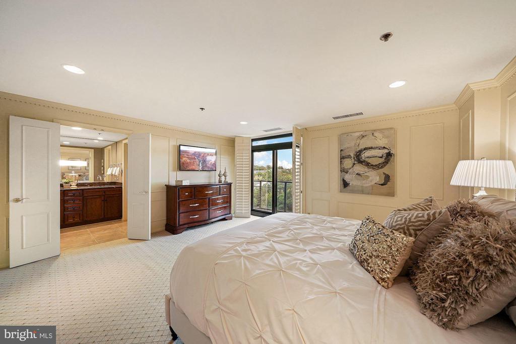 Primary Bedroom - 1401 N OAK ST #608, ARLINGTON