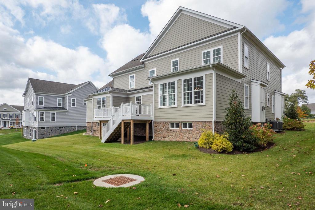 Nice, level homesite - 600 W K ST, PURCELLVILLE