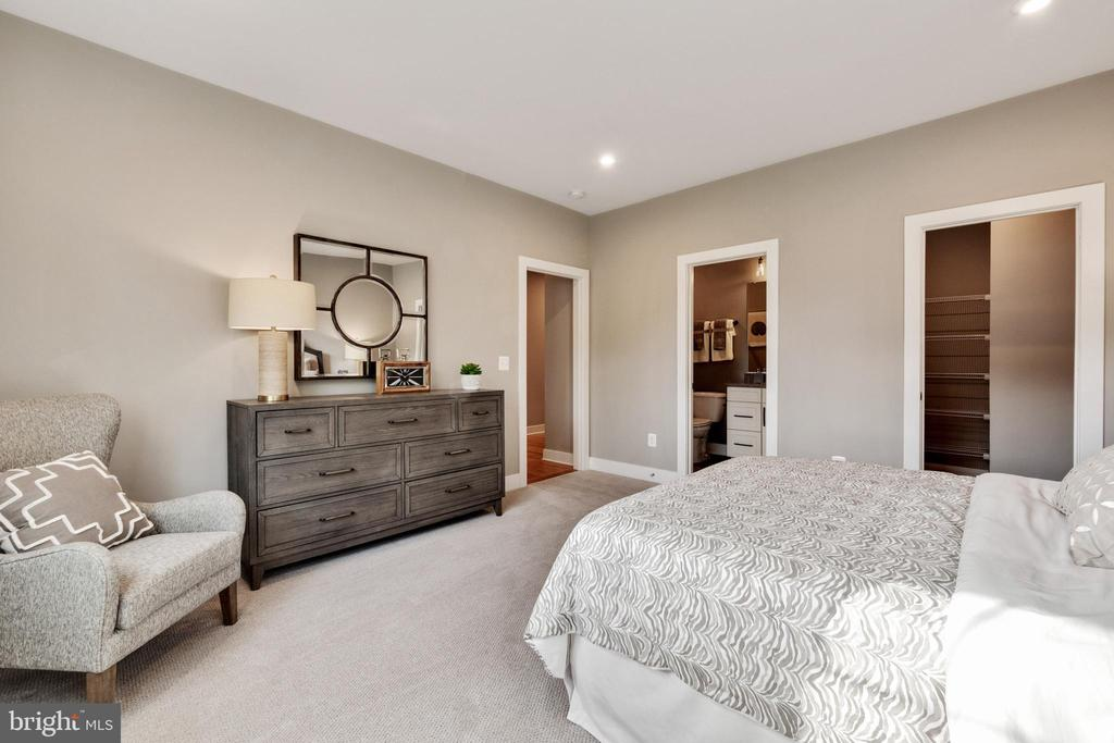 Spacious Bedroom #4 - 600 W K ST, PURCELLVILLE