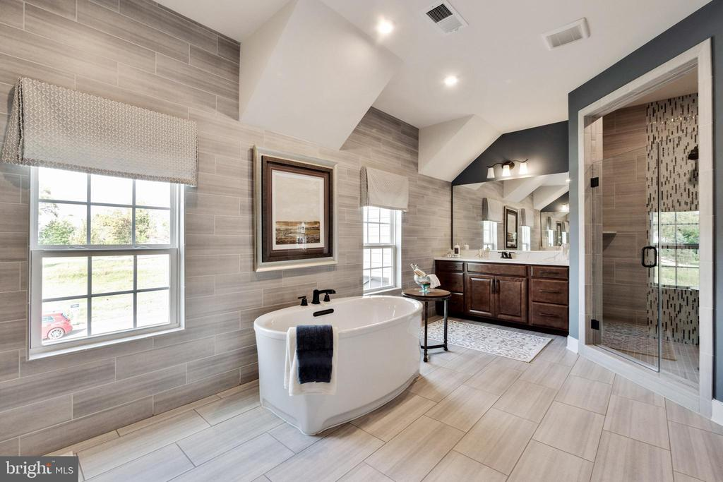Exceptional master bathroom - 600 W K ST, PURCELLVILLE