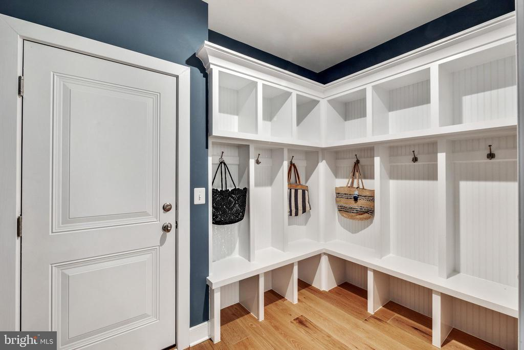 Mud room with custom built ins - 600 W K ST, PURCELLVILLE