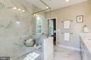 Oversized shower stall with bench - 224 N NELSON ST, ARLINGTON