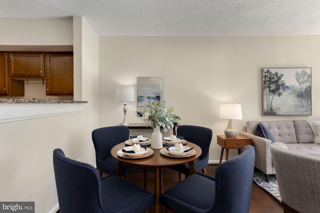 Dining Area - Freshly Painted Top-to-Bottom! - 1001 N RANDOLPH ST #214, ARLINGTON