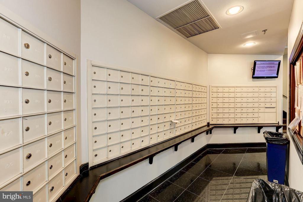 Mailboxes - 1001 N RANDOLPH ST #214, ARLINGTON