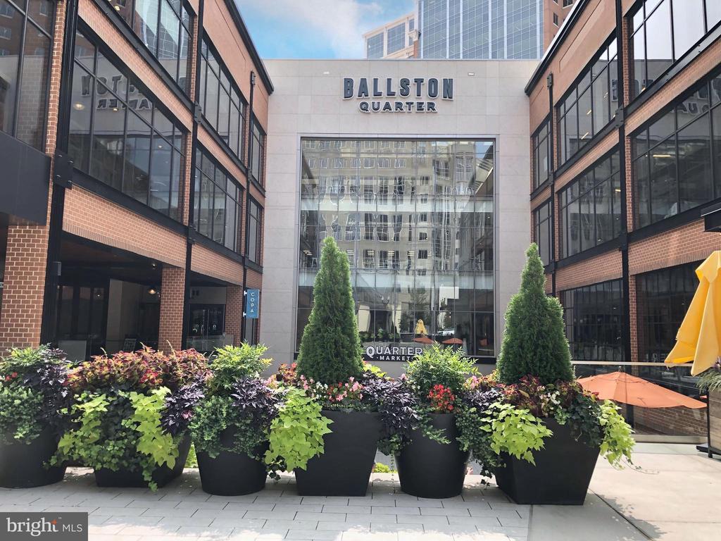 Steps to new redeveloped Ballston Quarter - 1174 N VERNON ST, ARLINGTON