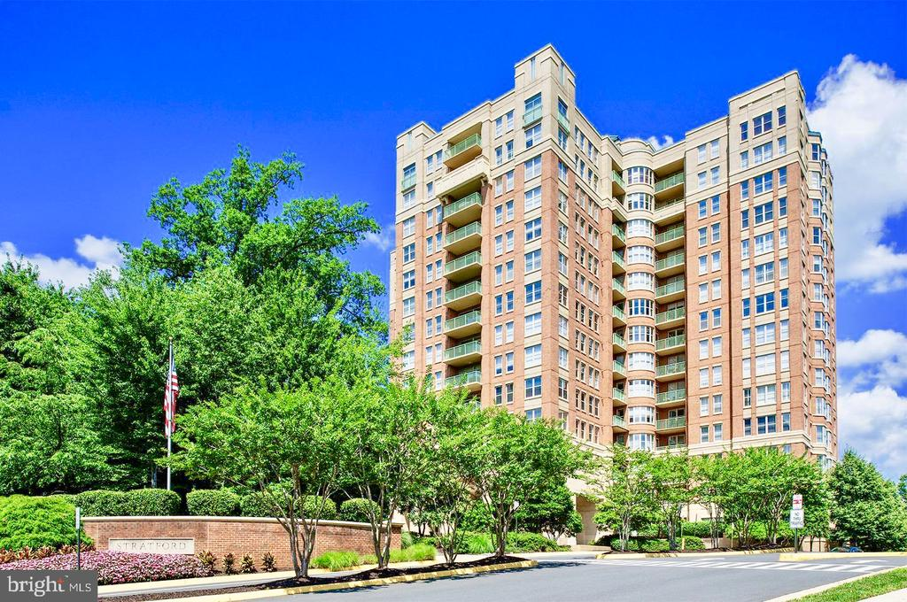 - 11776 STRATFORD HOUSE PL #405, RESTON