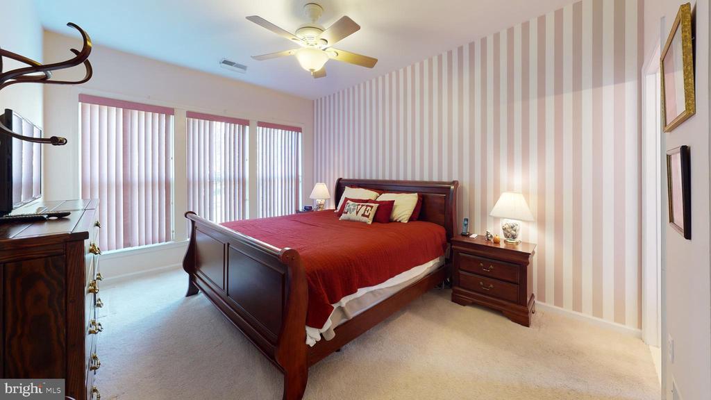 Dreamy master suite - 4 BLUEFIELD LN, FREDERICKSBURG